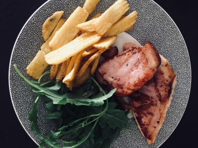 Le 31 Porchetta grillée, frites et salade